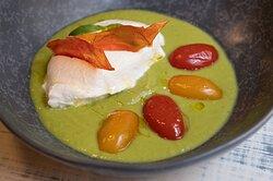 Gazpacho di zucchine con barrata e pomodorini confit