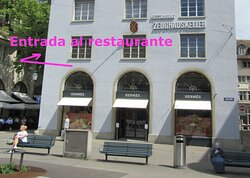 The name of the restaurant can be seen from Bahnhofstrasse but the entrance is by In Gassen.
