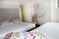 chambre lit double + 1 lit simple