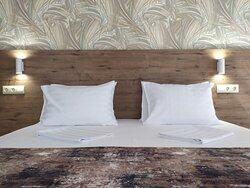 Кровать размера king size