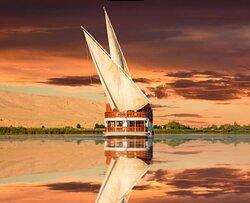 dahabiya sailing