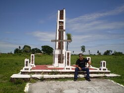 Monumento em 2003 - Lugar Mágico