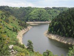 rivière d'Alleuze se jetant dans la Truyère
