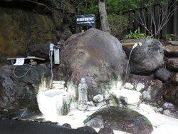 硫黄臭の強い赤川温泉水