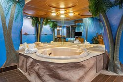 King suite with whirlpool bathtub