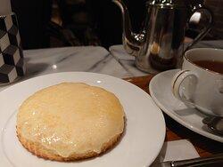 デンマークチーズを紅茶と