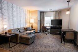 One-Bedroom Queen/Queen Accessible Suite - Living Area