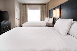 One-Bedroom Queen/Queen Suite - Bedroom