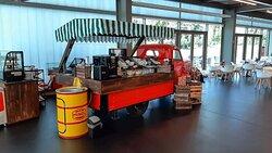 """Der """"Gastrowagen"""" - ein restaurierter Barkas im Erlebnismuseum ZeitWerkStadt"""