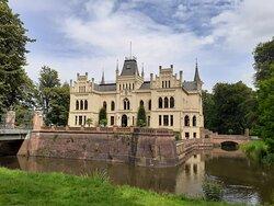 Sehr schönes Schloss Evenburg