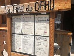 Menu Table de Dahu,  à l'entrée de l'hôtel SNOW CHILL