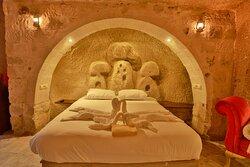 Cave Suite 401