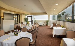Coast Anabelle Hotel Burbank Patio