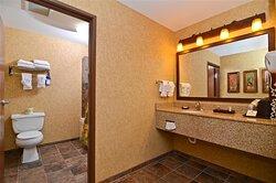 Pine Creek Room Vanity & Bath Area