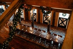Christmas is a wonderful time of year to visit The White Horse Inn.  Every inch of the historic restaurant is covered in festive decor to create a cozy and festive atmosphere.
