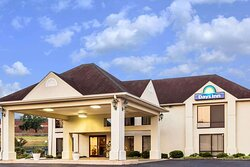 Welcome to the Days Inn Sanford