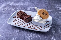 Brownie slice with ice cream