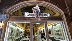 Cavo d'Oro restaurant, photo by placescases.com