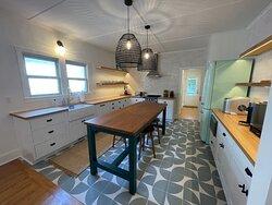 Unit 18 Lovely retro kitchen