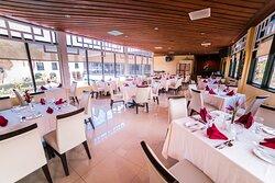 Melting Pot Restaurant and Lounge