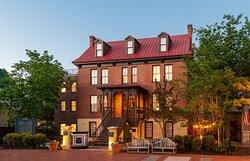 Exterior - Governor Calvert House - Night