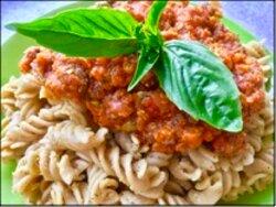 "Gluten free vegan pasta ""Bolognese"" with basil"