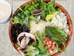 Fresh Garden Salad- Mixed Greens, Green Pepper, Onion, Fresh Tomato, Black Olive, Croutons and Mozzarella