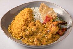 Bobó de camarão e arroz de coco fresco