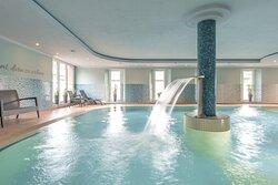 Unsere Badelandschaft steht unseren Hotelgästen kostenlos zur Verfügung.