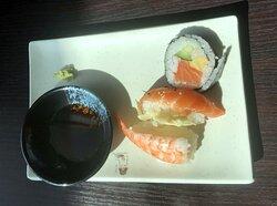 Mycket god sushi!  och betydligt fler olika att välja på!