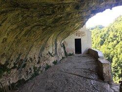 L'ingresso dell'eremo