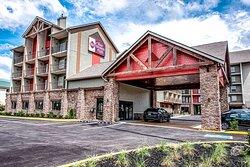 Best Western Plus Mountain Melodies Inn & Suites Exterior