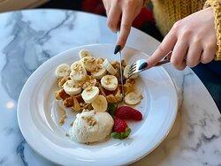Who doesn't love Banana Waffles! ♥️