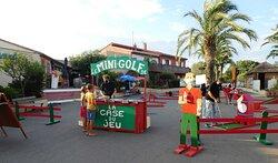 Soirée mini-golf animé par La case du jeu.