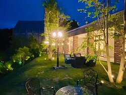 夜のお庭も素敵です