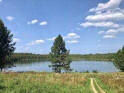 Красивое озеро и хорошее место для отдыха