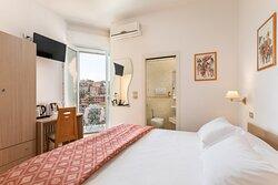 camera standard con balconcino panoramico standard room with panoramic balcony