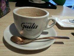 Tamaño pequeño café con leche.