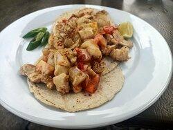 Chiili & Willis  Chicken dish pto morelos mexico nice and hot corn tortilla