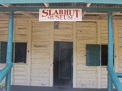Slab Hut Museum outside the Big Rig