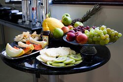 delicioso buffet café da manhã servido diariamente das 6h30min às 10.00hs.