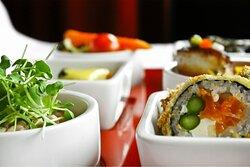 De délicieux sushis très variés.
