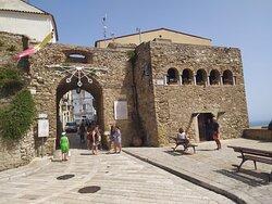 L'ingresso del borgo