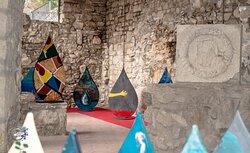 Savignano Irpino - sala interna al Castello Guevara - mostra Artistica Modulare <GOCCE D'ACQUA >