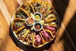 Wonderful 12 tacos to share orden! Spechless