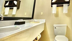MH ParkSuites EastPlano TX GuestRoom BathroomNew
