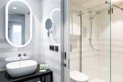 King Studio Suite - Bathroom