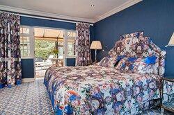 Summer Lodge Suite