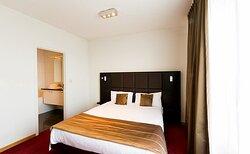 346812 Guest Room
