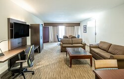 2 rooms suite, person conference table, 2 sofa sleeper, king bed